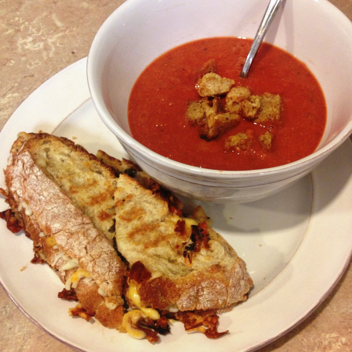 lastminute gourmet grilled cheese and tomato soup � fun